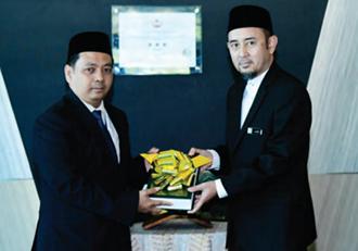 Berita Kupu Sb Terima 434 Naskhah Mushaf Brunei
